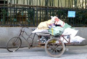 Cykel med skrald i Shanghai. Photo: Annette K. Nielsen